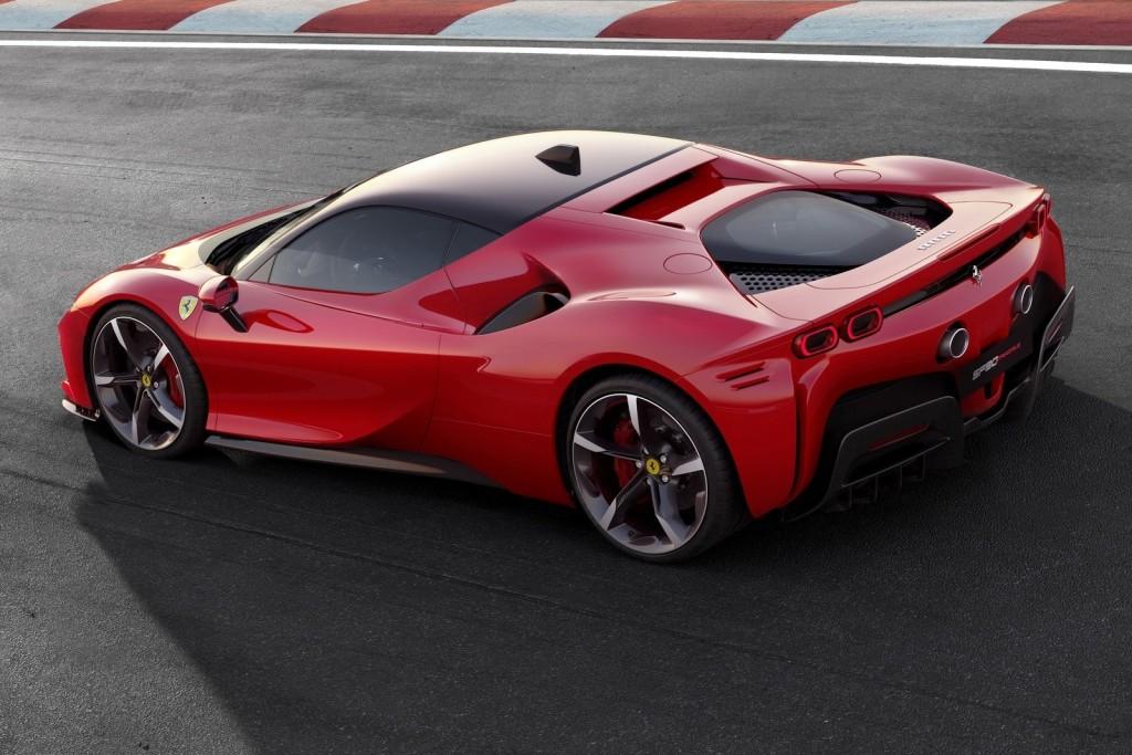 Ferrari-SF90_Stradale-2020-1600-04