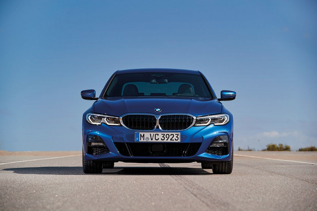P90332472_highRes_the-all-new-bmw-330i