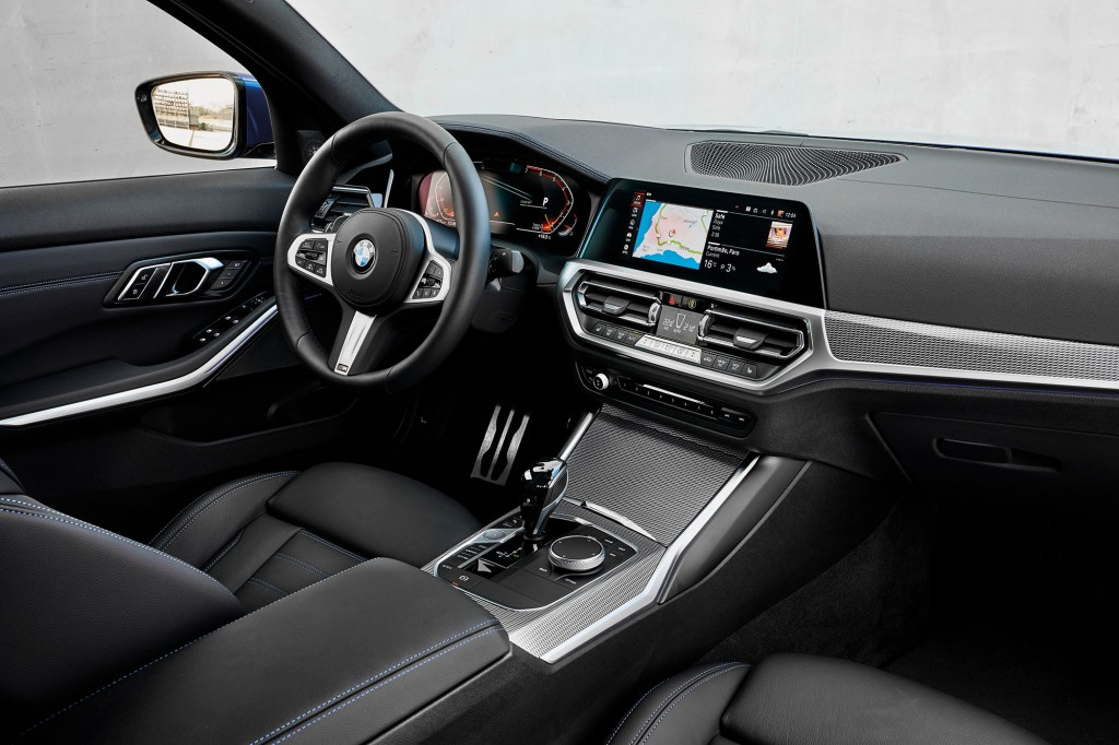 P90332482_highRes_the-all-new-bmw-330i