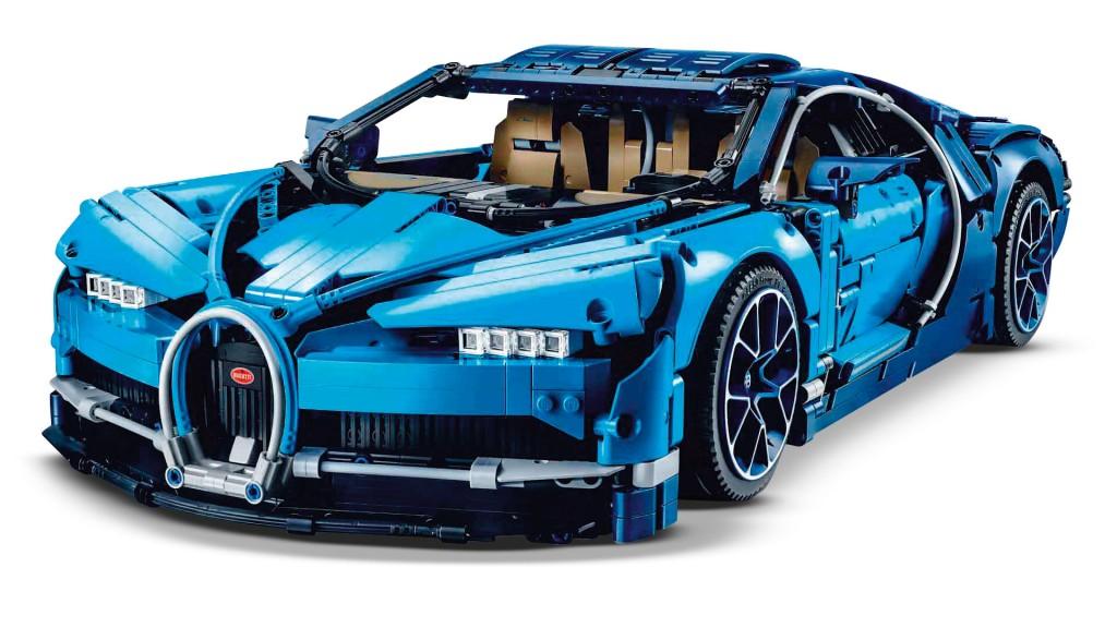 TTT291.feat_main_cool.LegoBugattiChiron_frontangle