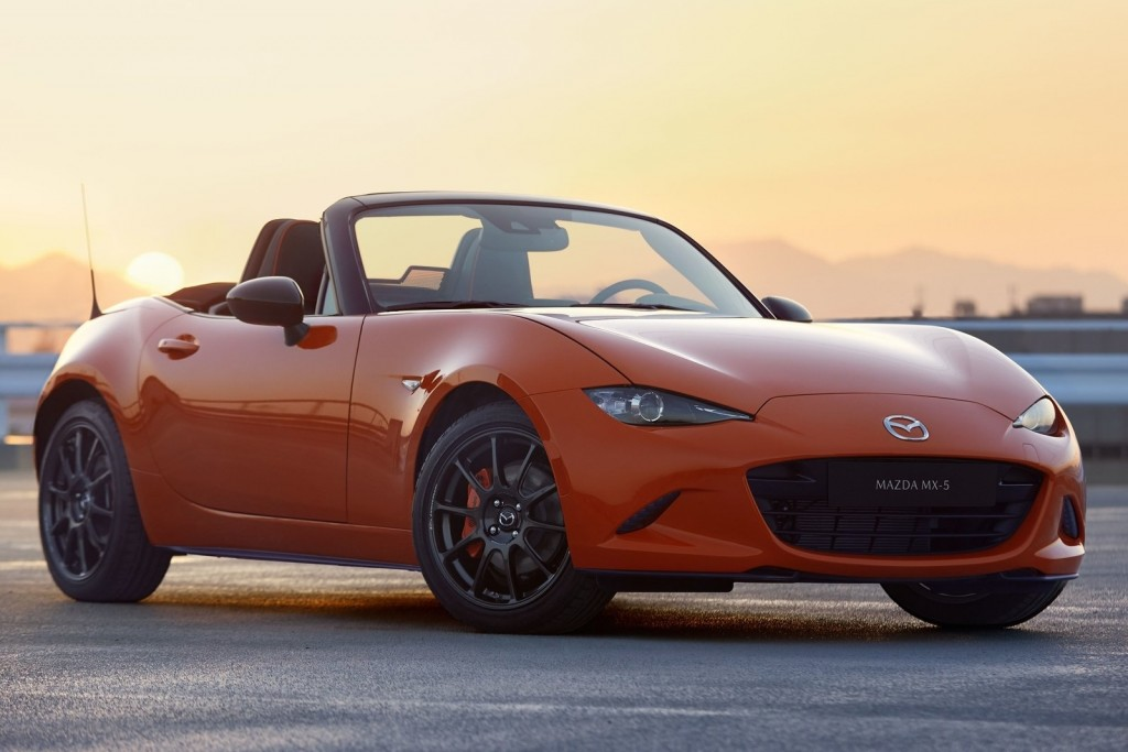 Mazda-MX-5_30th_Anniversary-2019-1600-01