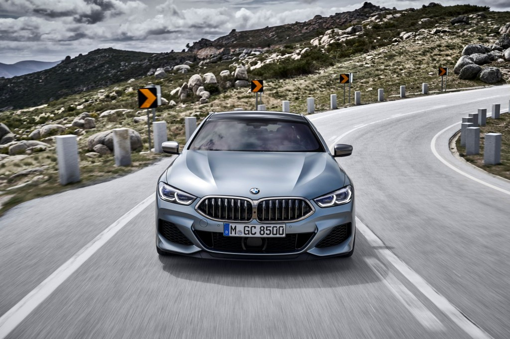 P90351031_highRes_the-new-bmw-8-series