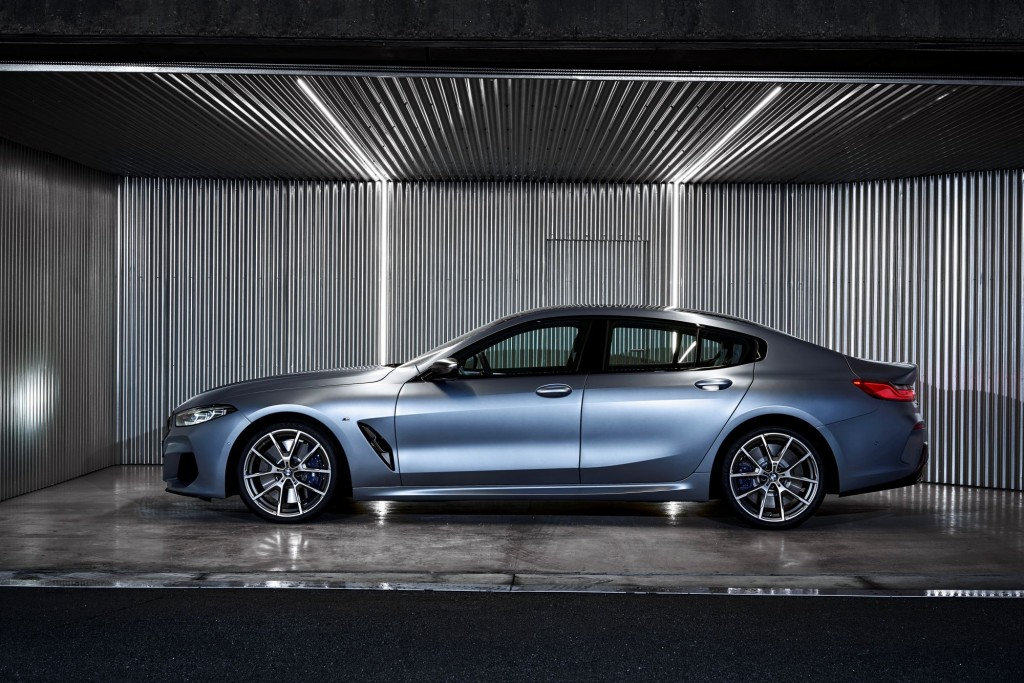 P90351078_highRes_the-new-bmw-8-series