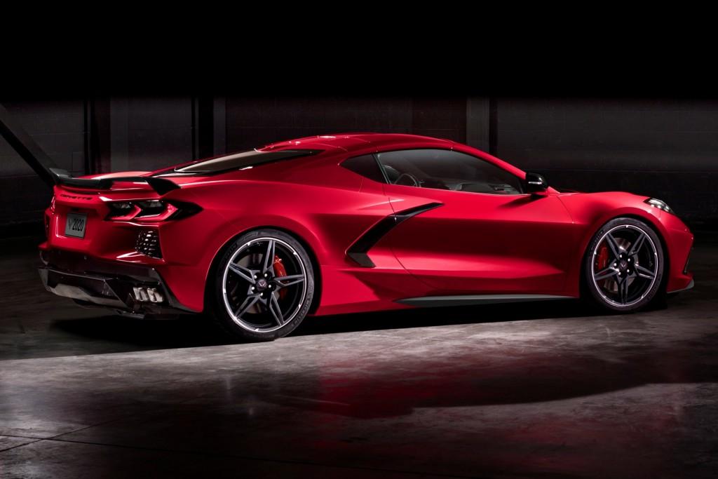 2020-Chevrolet-Corvette-Stingray-057