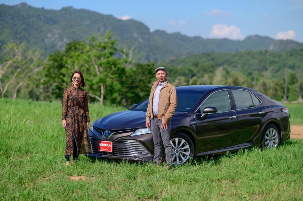 พี่น้องลองรถ Toyota Camry Hybrid