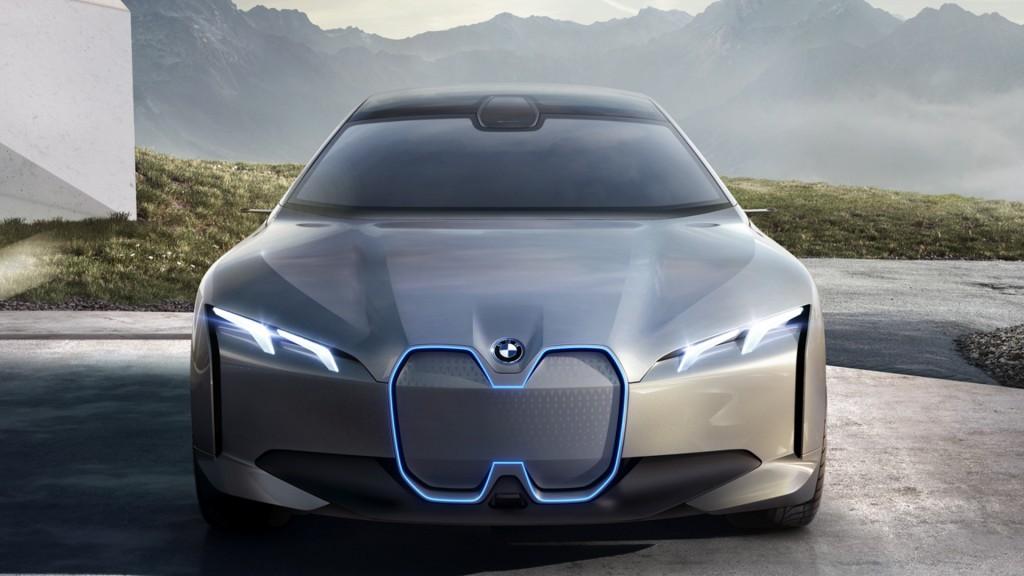 Audi-e-tron-GT-vs-BMW-i-Vision-Dynamics-10