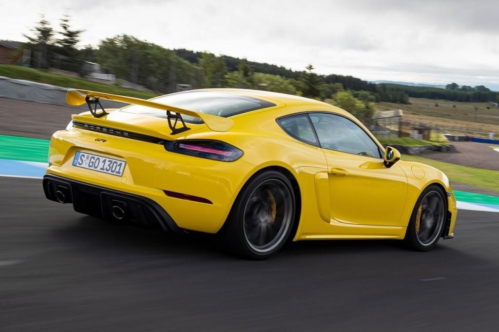 Porsche-718_Cayman_GT4-2020-1600-45