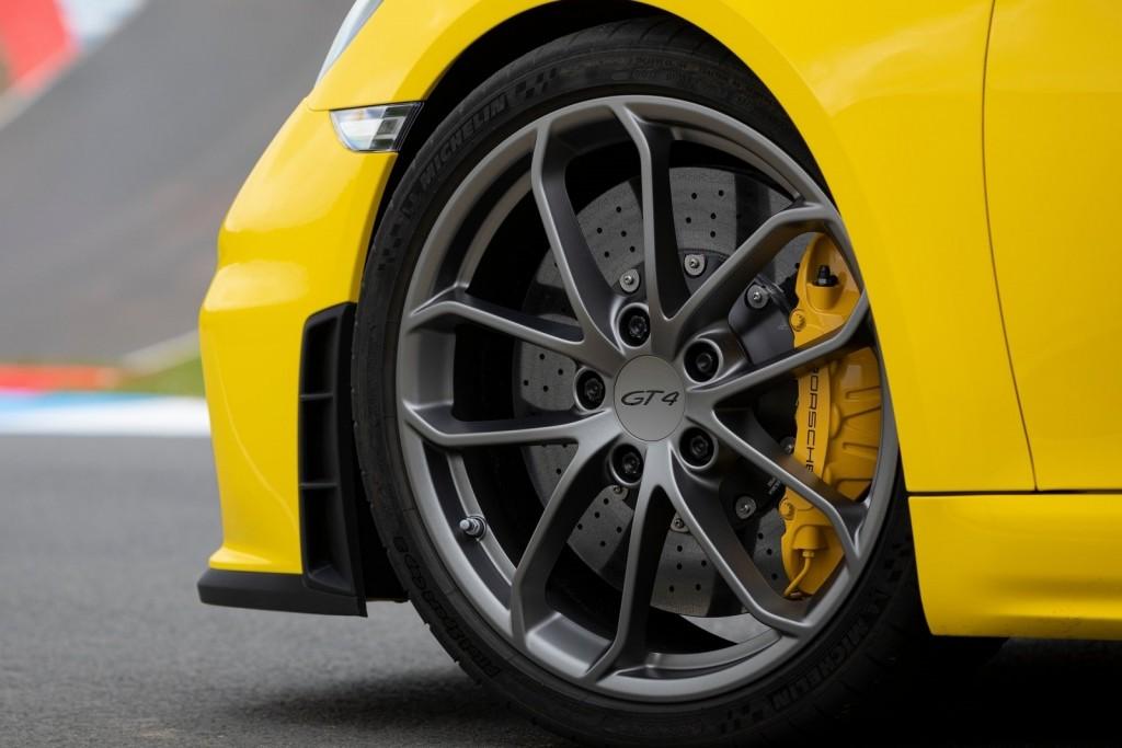 Porsche-718_Cayman_GT4-2020-1600-88