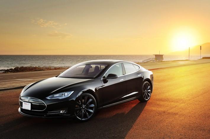Tesla-Model-S-3-710x471