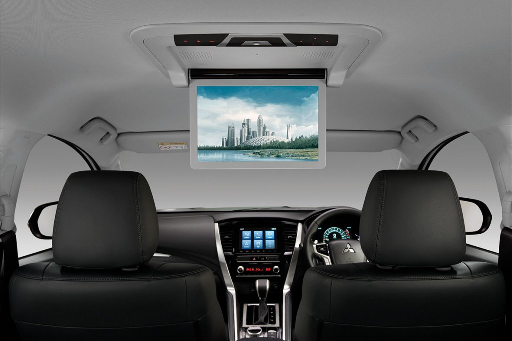 Rear-Entertainment-System---Wide-Screen-12.1-inch-