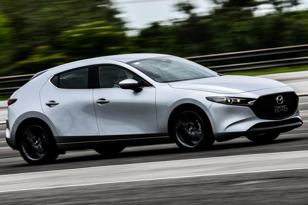 ทดลองขับ Mazda 3 รุ่นล่าสุด ทำความรู้จักกันล่วงหน้าของแฮทช์แบค/ซีดานมาดสปอร์ท ก่อนจะเปิดตัวในบ้านเราช่วงปลายเดือนหน้า !