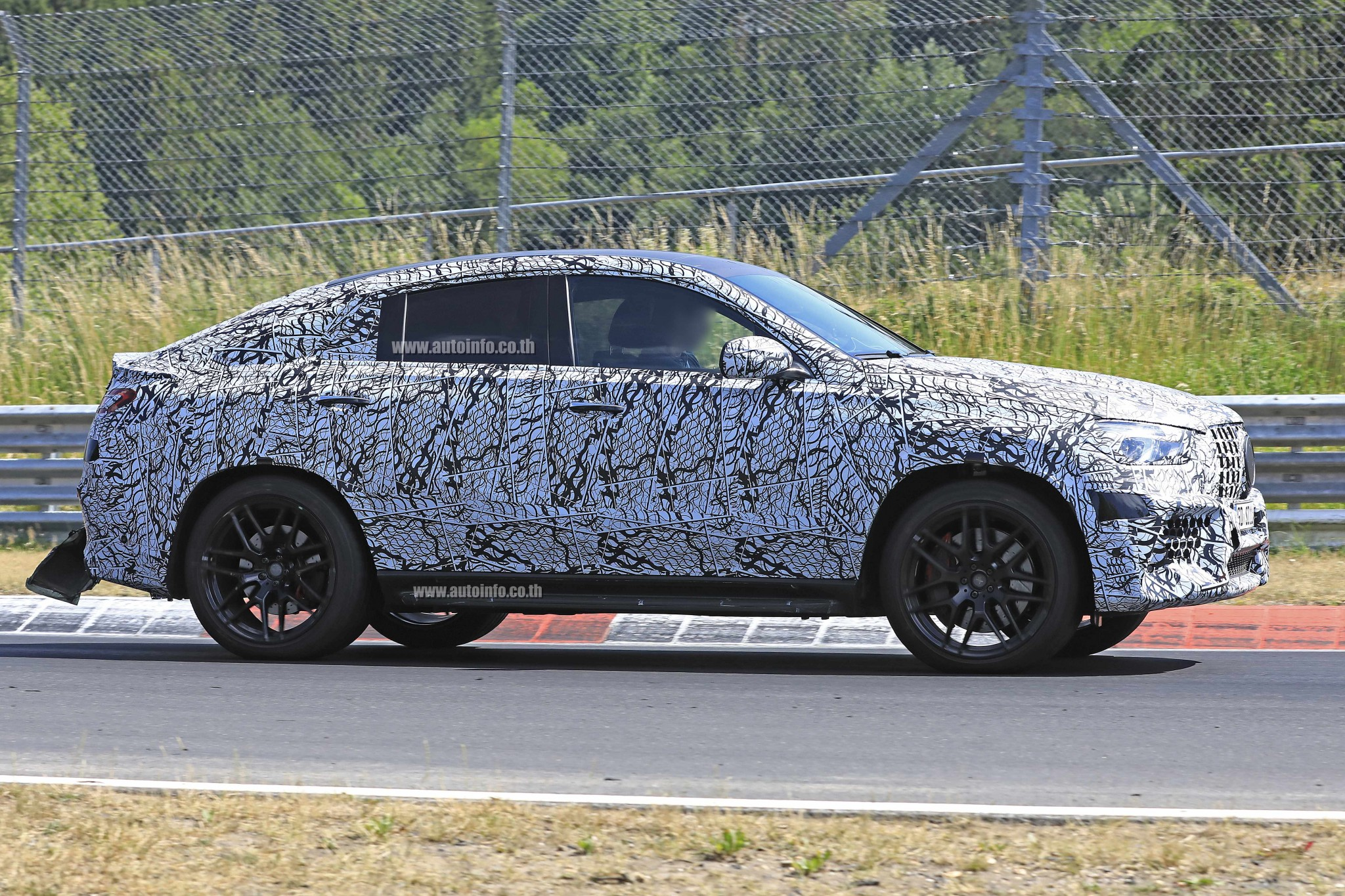 w Mercedes-AMG GLE63 Coupe 007