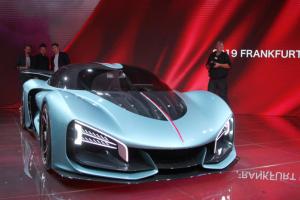 """รถรุ่นใหม่ของ """"หงฉี"""" โดดเด่นในงานมหกรรมยานยนต์ฟรังค์ฟวร์ท"""