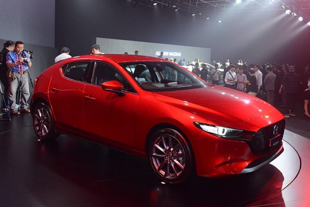 Mazda 3 รุ่นใหม่ สู่ความเป็น ซี-เซกเมนท์ ที่เน้นความพรีเมียมแบบจัดเต็ม ทั้งความหรูหรา และทันสมัย !