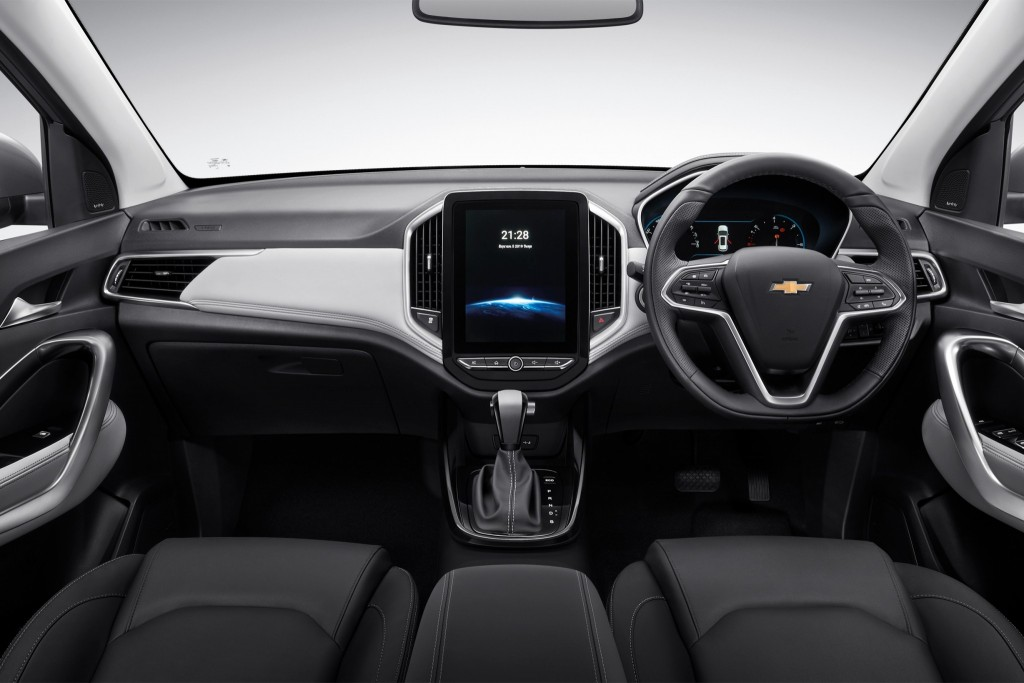 All-New Chevrolet Captiva Premier-LT_int. front_studio (1)