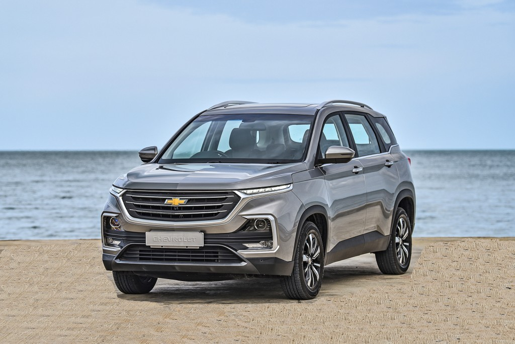 All-New Chevrolet Captiva Premier_F3Q seaside 2_small