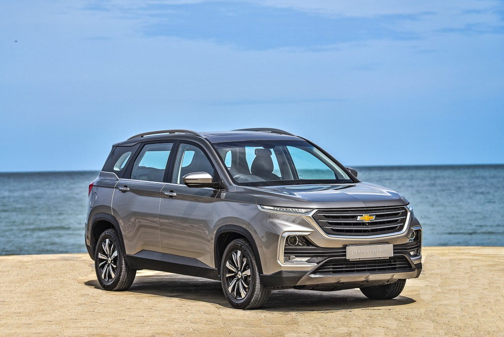 All-New Chevrolet Captiva Premier_F3Q seaside_small