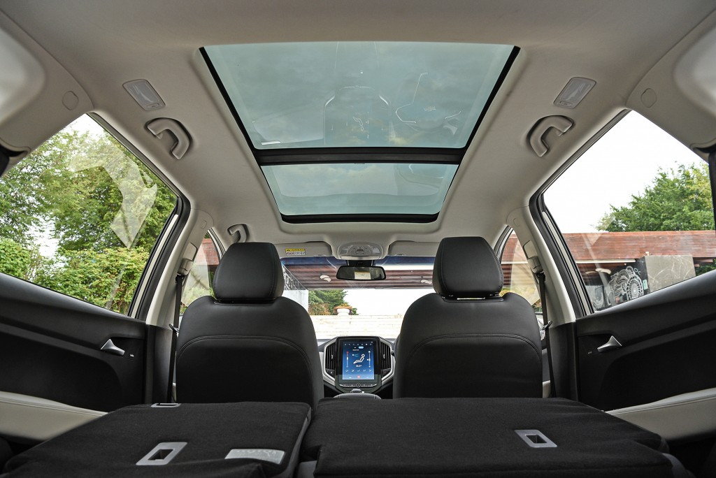 All-New Chevrolet Captiva Premier_int. pano sunroof_small
