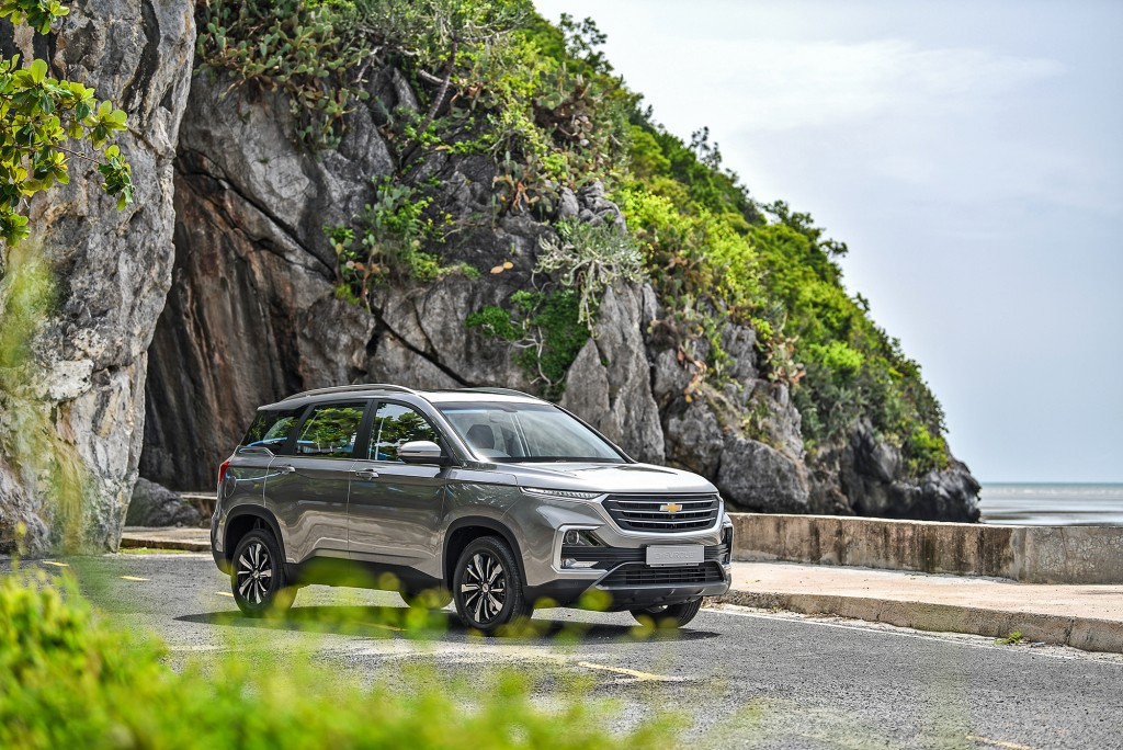 All-New Chevrolet Captiva Premier_seaside drive_small