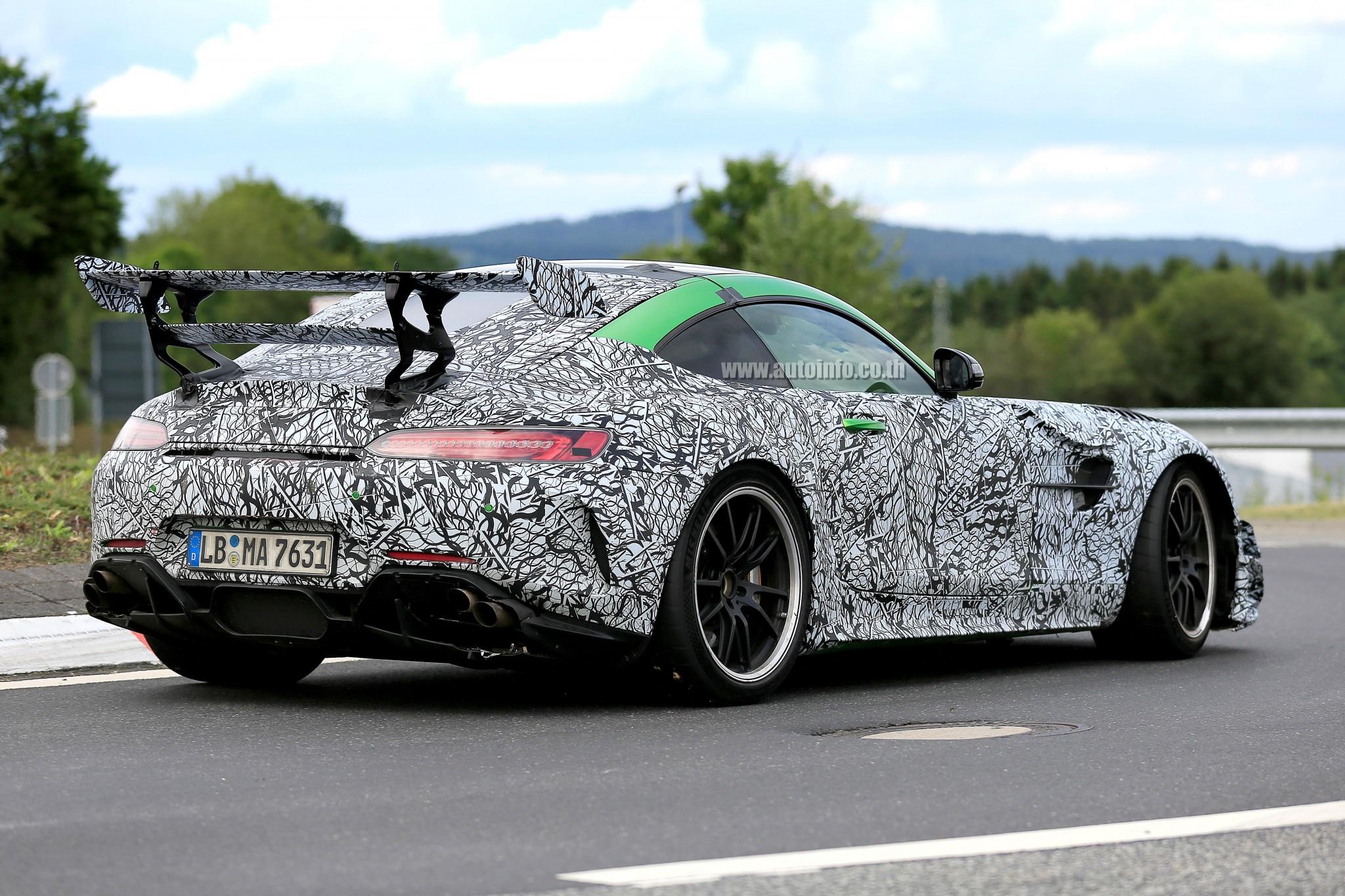 w Mercedes-AMG GT Black Series 018