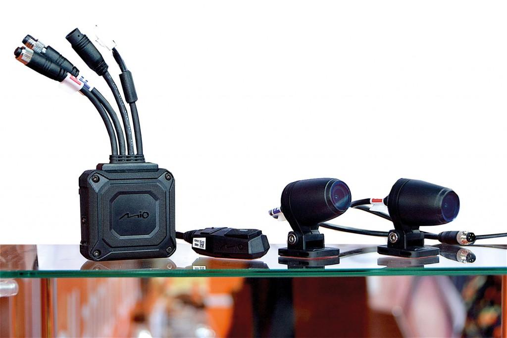 กล้องติดรถจักรยานยนต์ MIO รุ่น MIVUE M760D