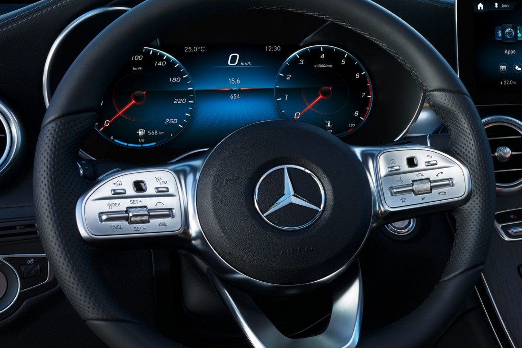 Mercedes-Benz GLC 220 d 4MATIC Coupe AMG Dynamic (3)