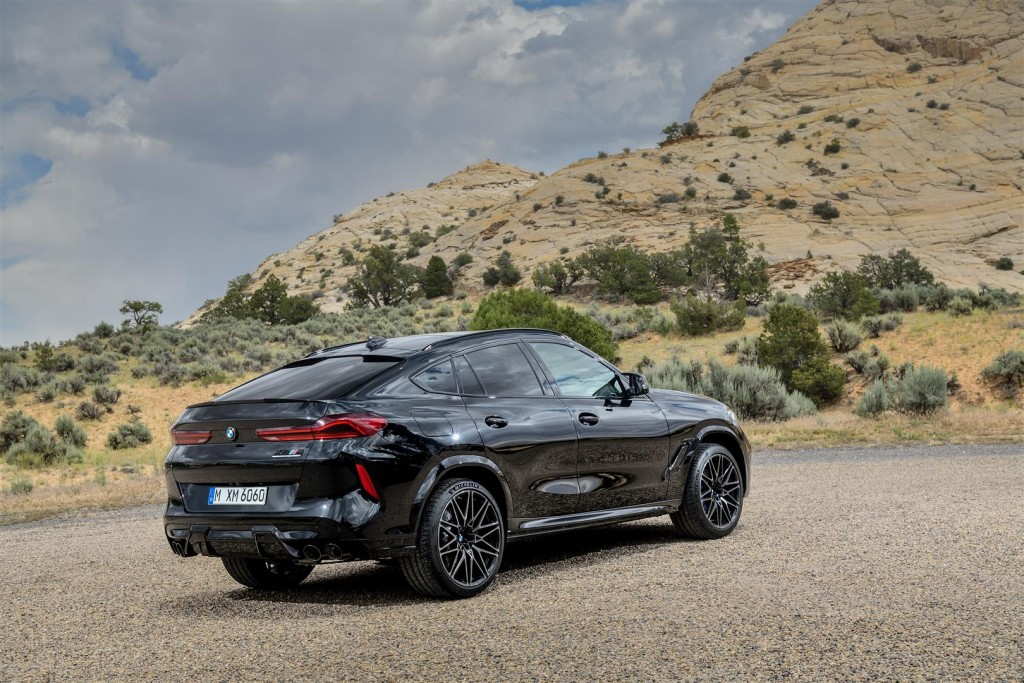 P90367362_highRes_the-new-bmw-x6-m-and (Large)