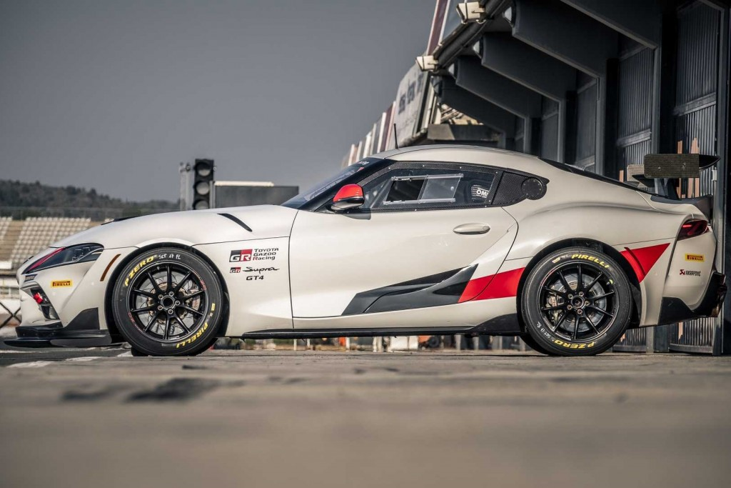toyota-supra-gt4-race-car (4)