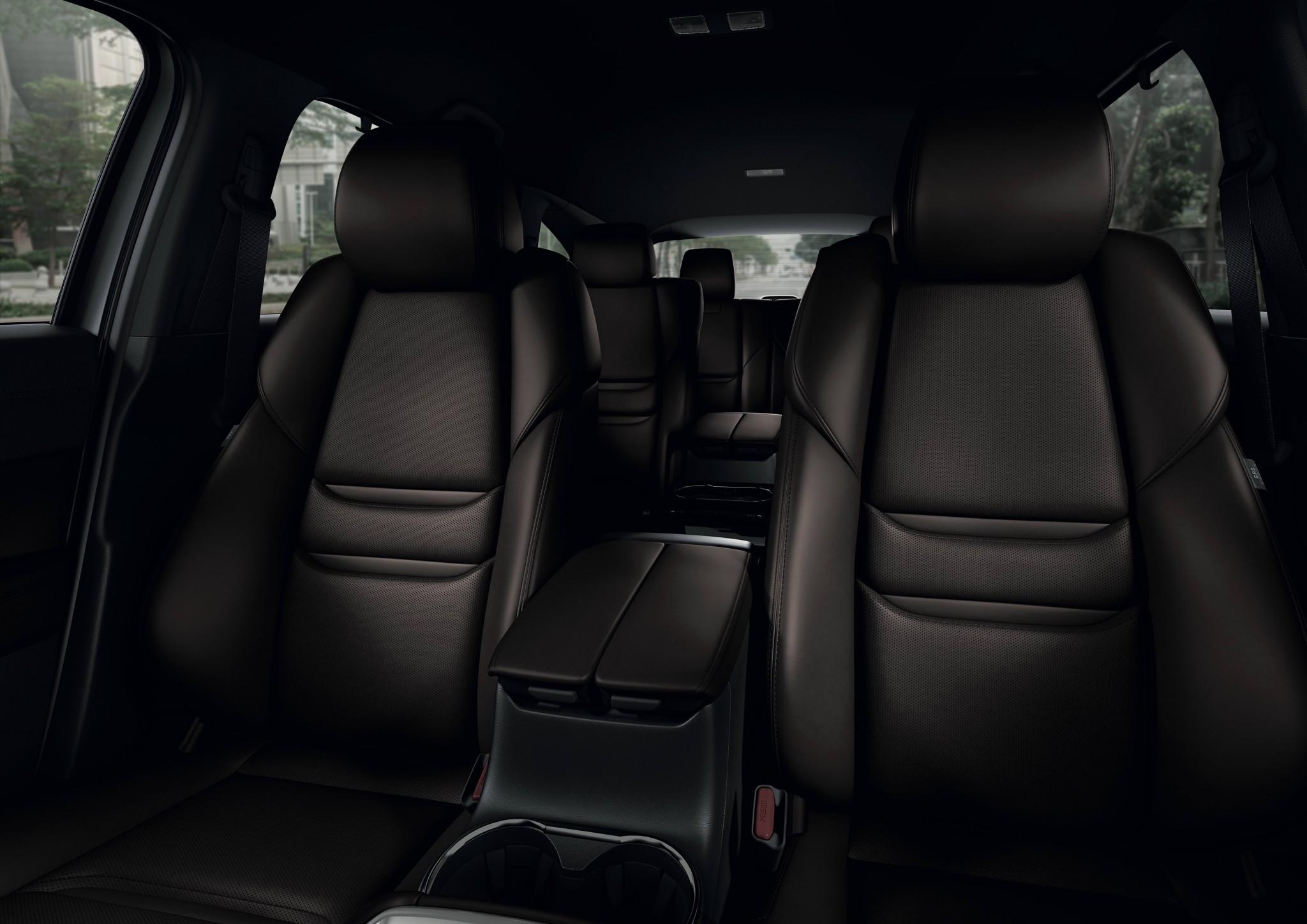 Interior 6 Seat 04