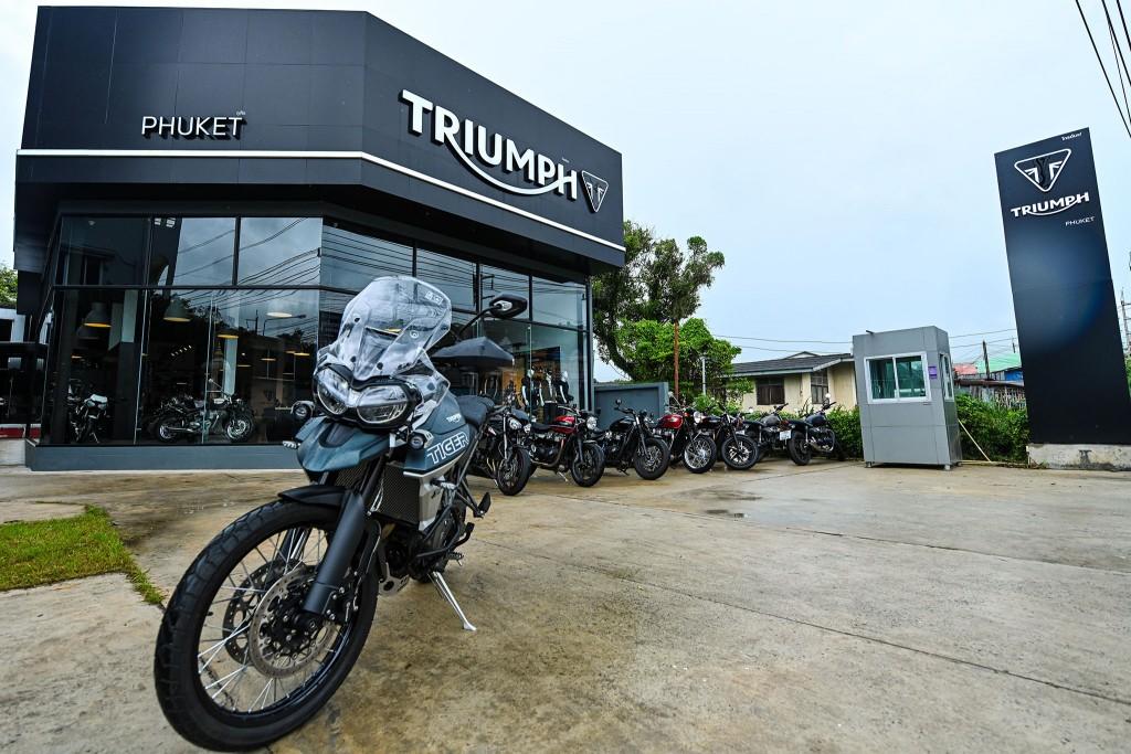 Pic_Triumph Phuket Showroom (5)