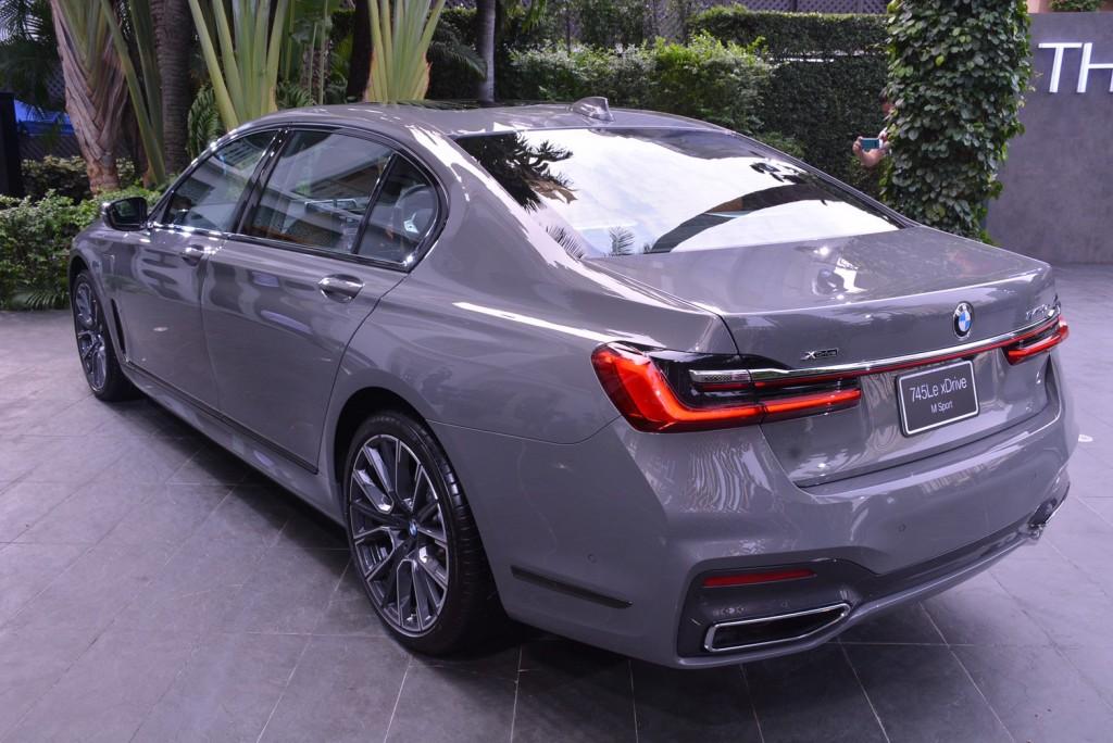 BMW_๒๐๐๑๑๔_0001