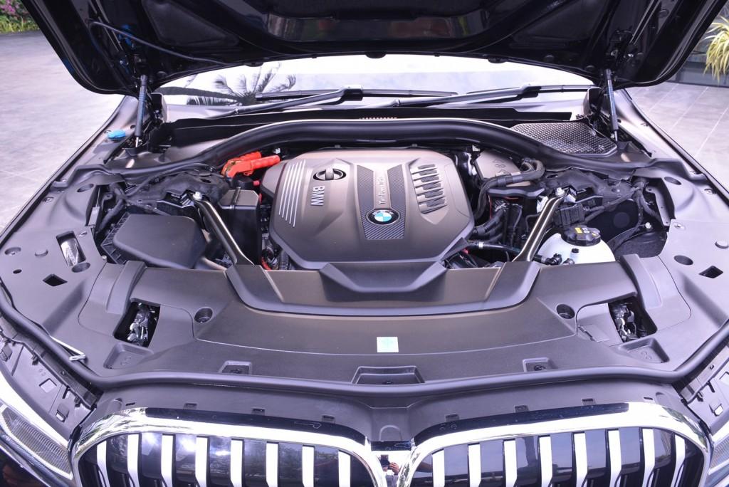 BMW_๒๐๐๑๑๔_0011