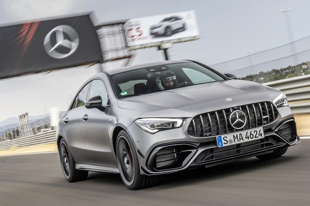 Mercedes-AMG CLA 45 S 4MATIC+, designo mountain grau magno, Leder - Nappa AMG schwarz mit gelben Kontrastziernähten;Kraftstoffverbrauch kombiniert: 8,3-8,1 l/100 km; CO2-Emissionen kombiniert: 189-186 g/km* Mercedes-AMG CLA 45 S 4MATIC+, designo mountain gray magno, Leather – black, with yellow topstitching;Fuel consumption combined: 8.3-8.1 l/100 km; Combined CO2 emissions: 189-186 g/km*