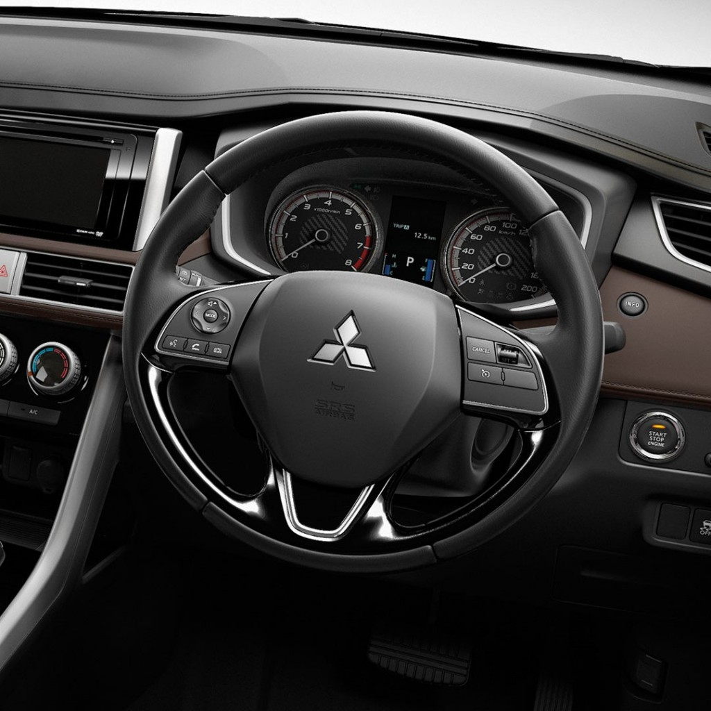 2020-cross-my20-interior.1080x1080_03