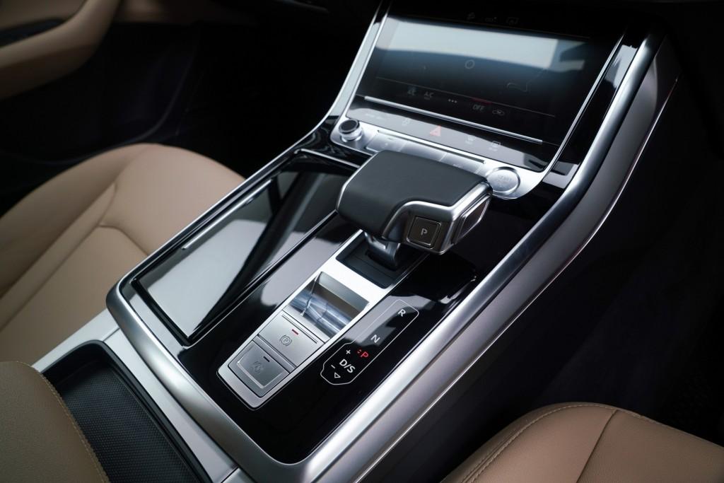 The New Audi Q7 45 TDI quattro S line_ภายใน_13