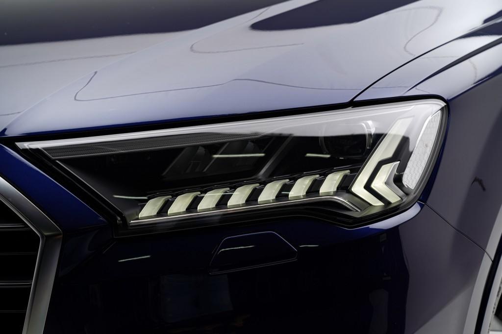 The New Audi Q7 45 TDI quattro S line_06