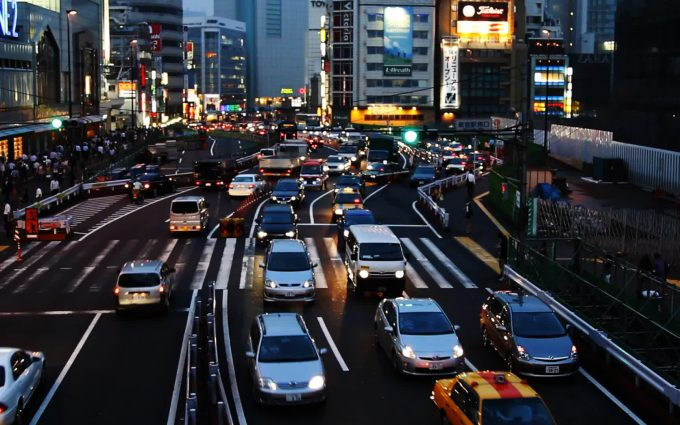 high-definition-wallpaper-of-a-traffic-jam-in-tokyo-680x425