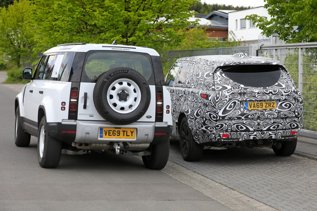 Spy-Shots of Cars This image has been optimized for a calibrated screen with a Gamma of 2.2 and a colour temperature of 6500°K