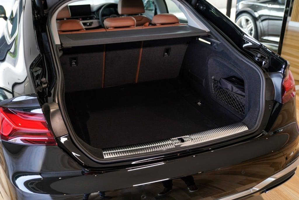 The New Audi A5 Sportback 40 TFSI_ภายใน_07