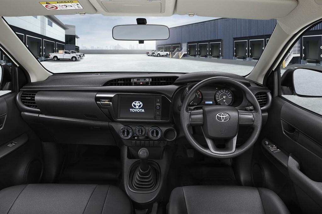Toyota Hilux Revo BCab (3)