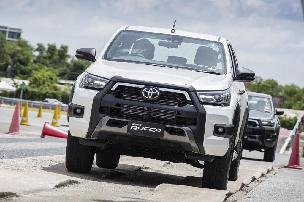 Toyota Hilux Revo Rocco Test Drive  (10)