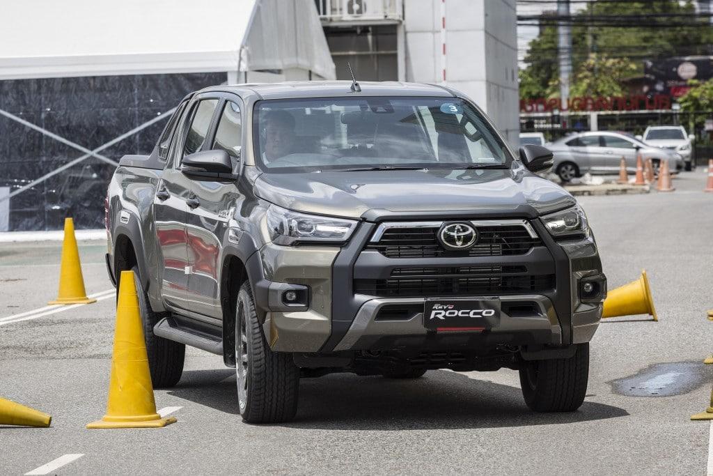 Toyota Hilux Revo Rocco Test Drive  (11)