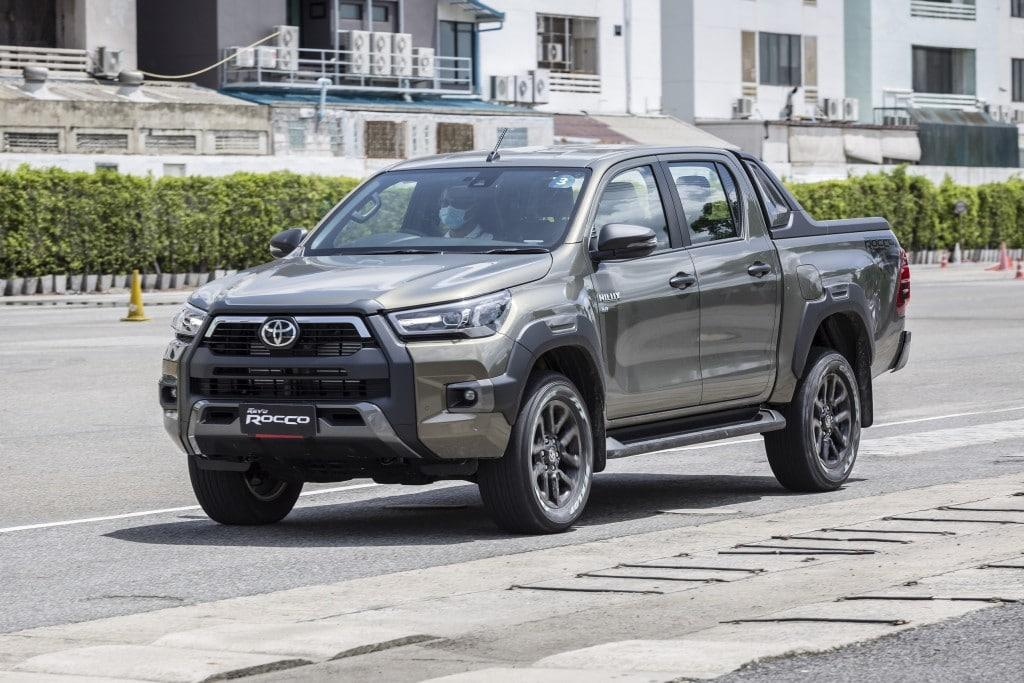 Toyota Hilux Revo Rocco Test Drive  (9)