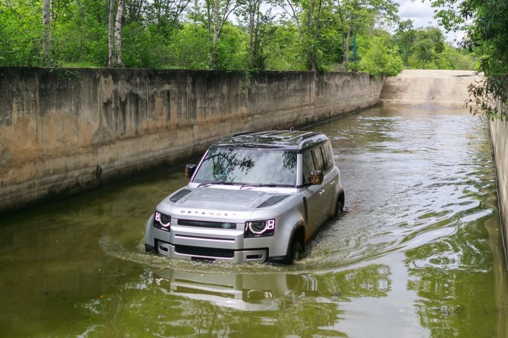 Land Rover Defender TestDrive (6)
