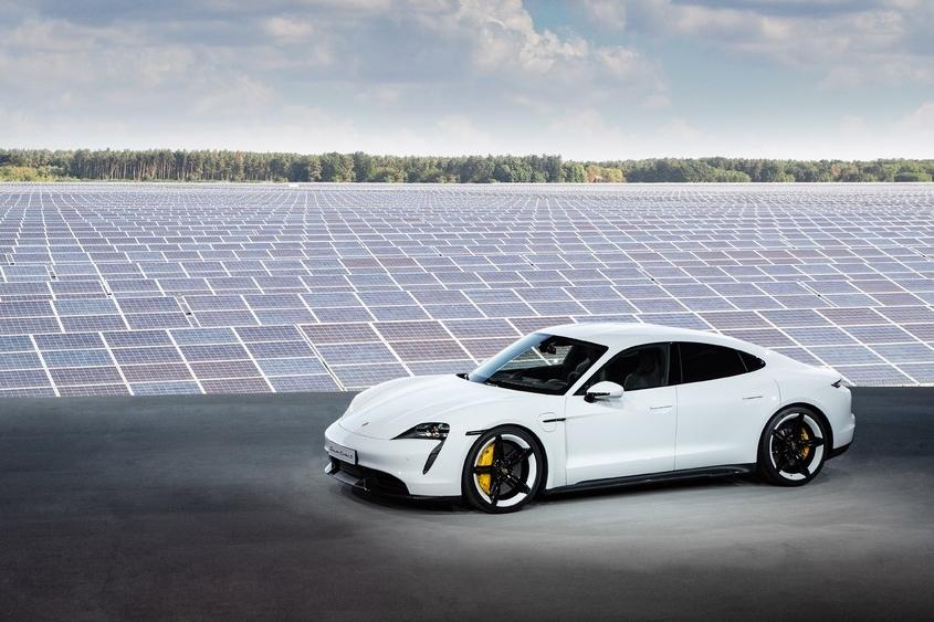 Porsche Taycan AutoinfoOnline AAS Auto Service (10)