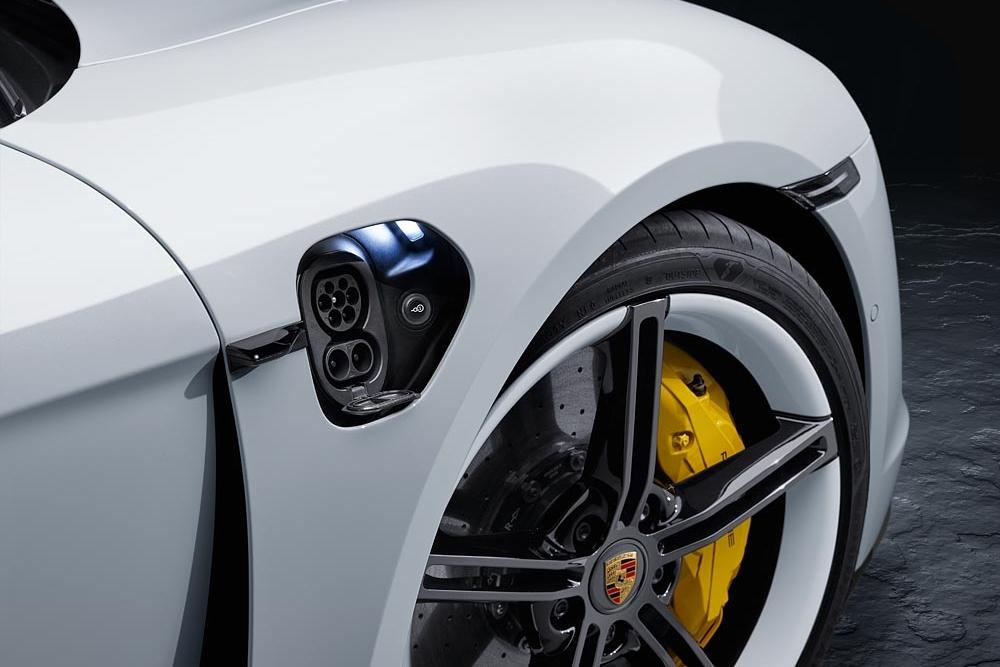Porsche Taycan AutoinfoOnline AAS Auto Service (3)