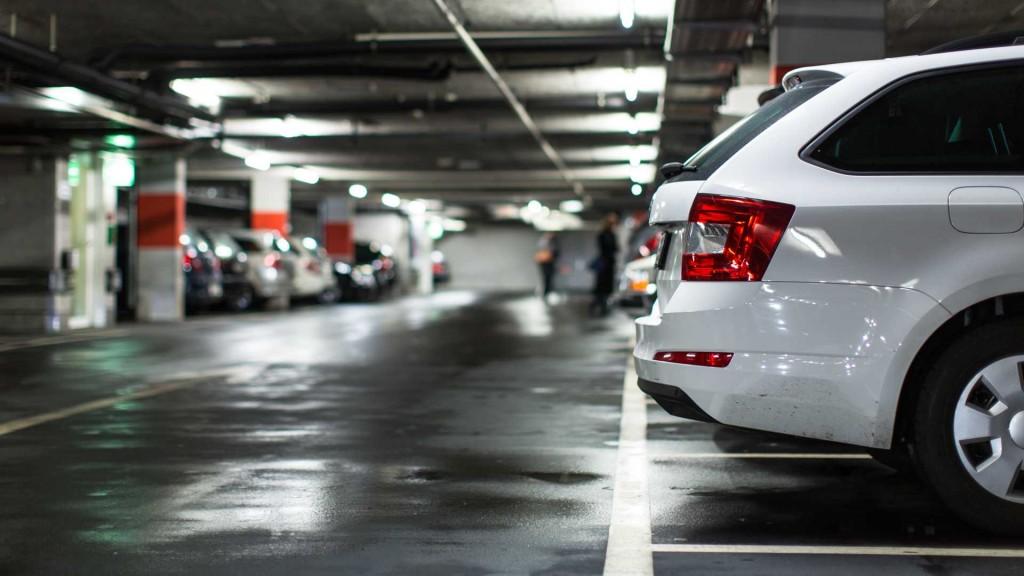 cars-parked-in-an-underground-parking-garage
