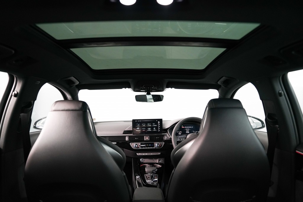 Audi A4 Avant_ภายใน_03