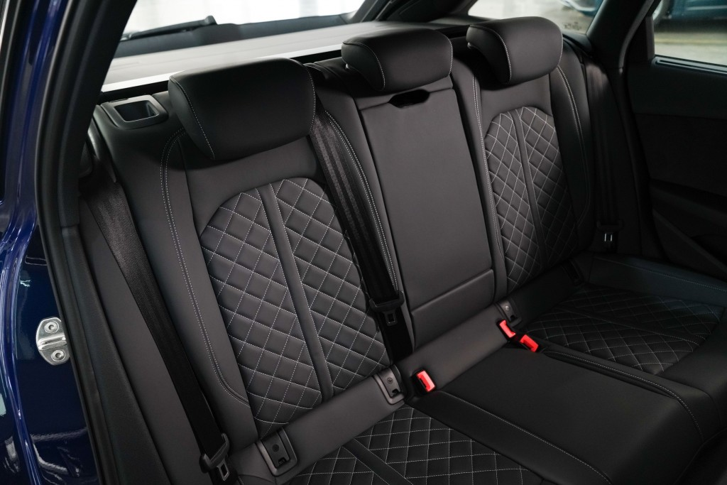 Audi A4 Avant_ภายใน_06