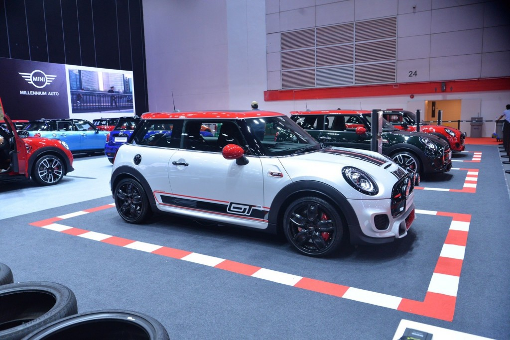 MINI GT Limited Edition (2)